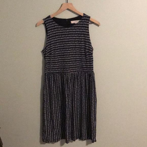 LOFT Dresses & Skirts - LOFT dress with black and white pattern